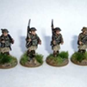 Scottish Infantry in Kilts, includes Officer and MG Carrier