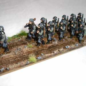 German Army, Including Officer, NCO and Private with MG and 11 Privates with Rifles